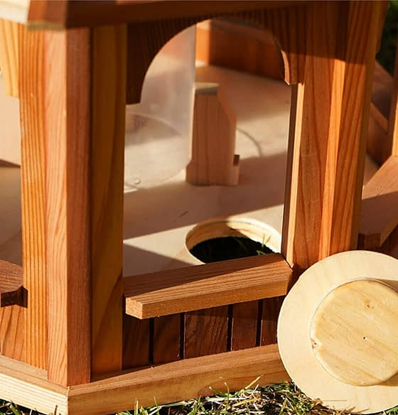 Wooden bird feeder shop and bird feeder products in North America